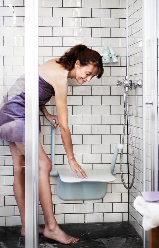 Etac Relax : Siège de douche confortable et design