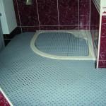 Une solution pour accéder au bac de douche!