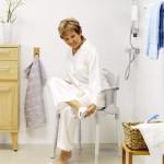 La chaise garde robe utilisée pour la douche